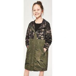 Parka moro - Khaki. Brązowe kurtki dziewczęce marki Reserved, l, z kapturem. W wyprzedaży za 49,99 zł.