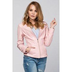 Odzież damska: Skórzana kurtka w kolorze jasnoróżowym
