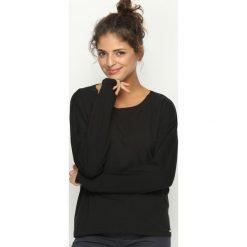 Czarna Bluzka Price of Beauty. Czarne bluzki asymetryczne Born2be, m, w paski, z okrągłym kołnierzem, z długim rękawem. Za 54,99 zł.