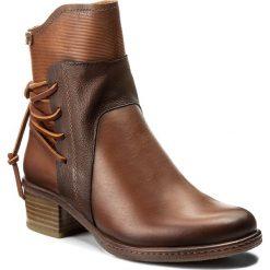 Botki PIKOLINOS - W9H-8926 Cuero. Brązowe buty zimowe damskie Pikolinos, z materiału, na obcasie. W wyprzedaży za 379,00 zł.