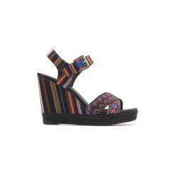Sandały Geox  D82P6G 000AW C0042. Szare sandały damskie marki Geox, z gumy. Za 359,10 zł.