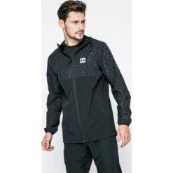 Under Armour - Kurtka. Czarne kurtki męskie przejściowe marki Under Armour, l, z elastanu, z kapturem. W wyprzedaży za 239,90 zł.