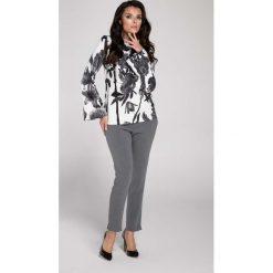 Kwiatowa Elegancka Bluzka z Rozkloszowanym Rękawem. Białe bluzki longsleeves Molly.pl, l, z jeansu, biznesowe. W wyprzedaży za 95,70 zł.
