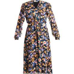 Gestuz FALLY Sukienka letnia multi black. Czarne sukienki letnie marki Gestuz, z materiału. W wyprzedaży za 519,35 zł.