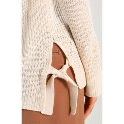 Swetry klasyczne damskie: Dorothy Perkins METAL EYELET Sweter ivory