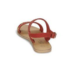 Sandały Betty London  IKARI. Czerwone sandały damskie marki Betty London. Za 125,30 zł.