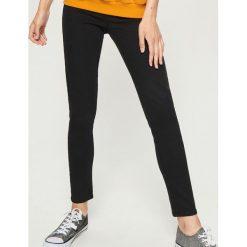 Jegginsy - Czarny. Czarne legginsy marki Sinsay, z jeansu. Za 49,99 zł.