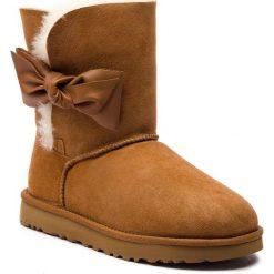 Buty UGG - W Daelynn 1019983  W/Che. Brązowe buty zimowe damskie Ugg, ze skóry. Za 969,00 zł.