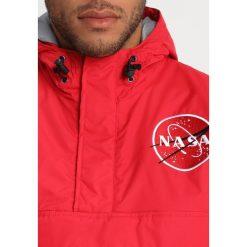 Alpha Industries NASA ANORAKFUNKTION Kurtka zimowa speed red. Czarne kurtki męskie zimowe marki Alpha Industries, m, z aplikacjami. Za 839,00 zł.