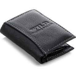 Skórzany portfel męski WILD brązowy. Brązowe portfele męskie Wild, z materiału. Za 29,90 zł.