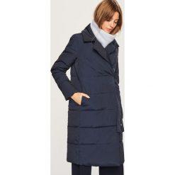 Pikowany płaszcz - Granatowy. Niebieskie płaszcze damskie pastelowe Reserved. Za 299,99 zł.