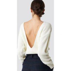 Glamorous Sweter z odkrytymi plecami - Beige,Offwhite. Różowe swetry klasyczne damskie marki Glamorous, z nadrukiem, z asymetrycznym kołnierzem, asymetryczne. Za 141,95 zł.