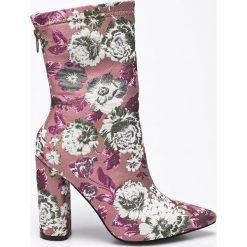 Public Desire - Botki. Różowe buty zimowe damskie Public Desire, z materiału, na obcasie. W wyprzedaży za 99,90 zł.