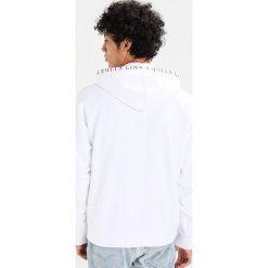 Bejsbolówki męskie: Levi's® Line 8 LINE 8 LL OVERSIZED  Bluza z kapturem reversed shadow black/bright white