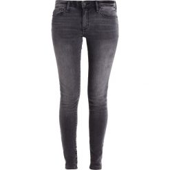 Abercrombie & Fitch CORE RISE SUPER  Jeans Skinny Fit washed black. Szare boyfriendy damskie Abercrombie & Fitch. Za 369,00 zł.