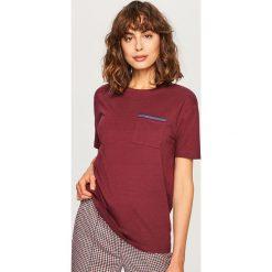 T-shirt z imitacją kieszonki - Bordowy. Czerwone t-shirty damskie marki Reserved, l. Za 39,99 zł.
