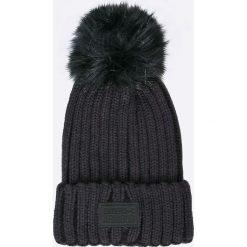 Under Armour - Czapka. Czarne czapki zimowe damskie Under Armour, z dzianiny. W wyprzedaży za 129,90 zł.