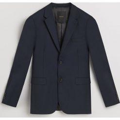 Marynarka slim fit - Granatowy. Niebieskie marynarki męskie slim fit marki Reserved. Za 399,99 zł.