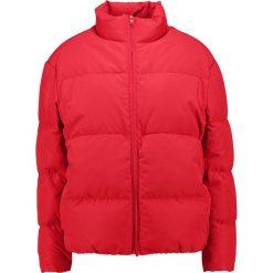 Sparkz LONNY  Kurtka puchowa classic red. Czerwone kurtki damskie puchowe Sparkz, m, z materiału. W wyprzedaży za 423,20 zł.