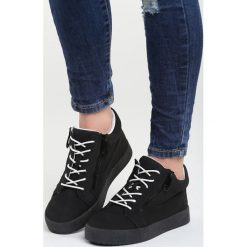 Czarne Sneakersy I Promise You. Czarne sneakersy damskie marki Born2be, z materiału. Za 89,99 zł.