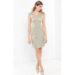 Sukienki balowe: Sukienka z różnych materiałów