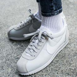 """Buty Nike Wmns Classic Cortez Nylon """"Pure Platinum"""" (749864-010). Buty sportowe damskie marki Nike, z materiału. Za 189,99 zł."""