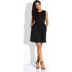 Sukienki: Czarna Sukienka Rozkloszowana bez Rękawów ze Złotymi Guzikami