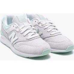 New Balance - Buty WL697PTT. Czerwone buty sportowe damskie marki New Balance, z gumy. W wyprzedaży za 319,90 zł.