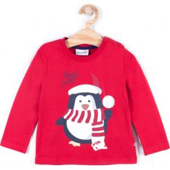 Koszulka. Czerwone t-shirty chłopięce z długim rękawem Merry Christmas, z nadrukiem, z bawełny. Za 39,90 zł.