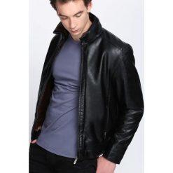 Czarna Kurtka Darkest Aim. Czarne kurtki męskie marki Born2be, l, z aplikacjami, z dresówki. Za 209,99 zł.