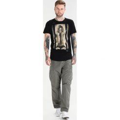T-shirty męskie z nadrukiem: Religion TROUBLE MAKER Tshirt z nadrukiem black