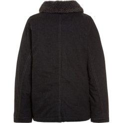 OshKosh COAT Kurtka zimowa dark grey. Szare kurtki chłopięce przeciwdeszczowe OshKosh, na zimę, z bawełny. W wyprzedaży za 131,45 zł.