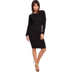 COURTNEY Sukienka z dekoltem i wstążką na plecach - czarna. Czarne sukienki marki BE, na co dzień, l, z dekoltem na plecach, z długim rękawem, oversize. Za 136,99 zł.