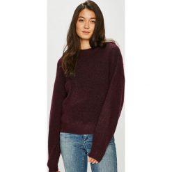 Noisy May - Sweter. Brązowe swetry klasyczne damskie Noisy May, l, z dzianiny, z okrągłym kołnierzem. W wyprzedaży za 179,90 zł.
