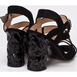 Solo Femme - Sandały. Szare sandały damskie na słupku marki Solo Femme, z materiału. W wyprzedaży za 169,90 zł.