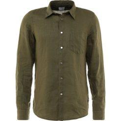 PS by Paul Smith MENS TAILORED FIT  Koszula army green. Niebieskie koszule męskie marki PS by Paul Smith, m, z bawełny. W wyprzedaży za 480,35 zł.