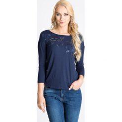 Bluzki damskie: Granatowa bluzka z nadrukiem QUIOSQUE