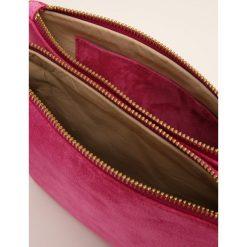 CLOSED BAG CROSSBODY Torba na ramię cerise. Czerwone torebki klasyczne damskie CLOSED. W wyprzedaży za 455,60 zł.