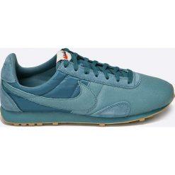 Nike Sportswear - Buty. Zielone buty sportowe damskie Nike Sportswear, z gumy. W wyprzedaży za 219,90 zł.