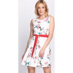 Sukienki: Biała Sukienka Powerful Girl