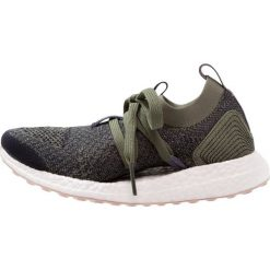 Buty do biegania damskie: adidas by Stella McCartney ULTRA BOOST X Obuwie do biegania treningowe legion blue/basic green/peach rose