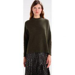 Swetry damskie: Selected Femme SFRIFA HIGHNECK  Sweter forest night