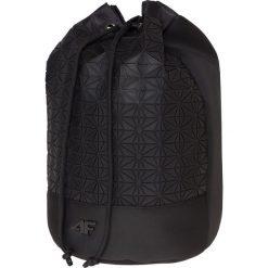 Plecaki damskie: Plecak-worek damski TPU215 - głęboka czerń