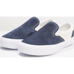 Vans SLIP ON LITE Półbuty wsuwane dress blues/marshmallow. Czarne półbuty damskie skórzane marki Nike SB, na niskim obcasie. Za 359,00 zł.