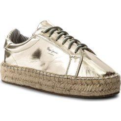 Espadryle PEPE JEANS - Andy Metal PLS10357 Gold 099. Żółte espadryle damskie marki Pepe Jeans, z jeansu, na koturnie. W wyprzedaży za 179,00 zł.