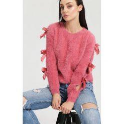 Ciemnoróżowy Sweter Lucky Luck. Czerwone swetry klasyczne damskie other, na jesień, uniwersalny. Za 54,99 zł.