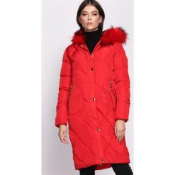 Czerwona Kurtka Thesis. Czerwone kurtki damskie pikowane marki Born2be, na zimę, l, z kapturem. Za 199,99 zł.