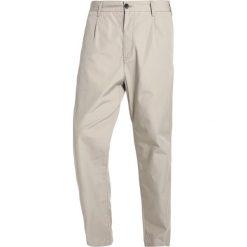 Spodnie męskie: Carhartt WIP GERALD  Chinosy mojave rinsed