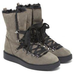 Botki w kolorze khaki. Brązowe buty zimowe damskie Carla Samuel, na zimę, na sznurówki. W wyprzedaży za 199,95 zł.