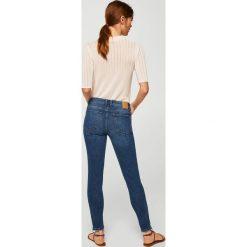 Mango - Jeansy Isa. Niebieskie jeansy damskie Mango. Za 129,90 zł.